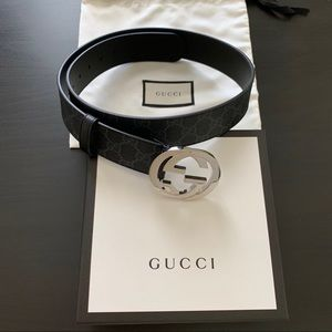 Gucci Supreme belt with G buckle